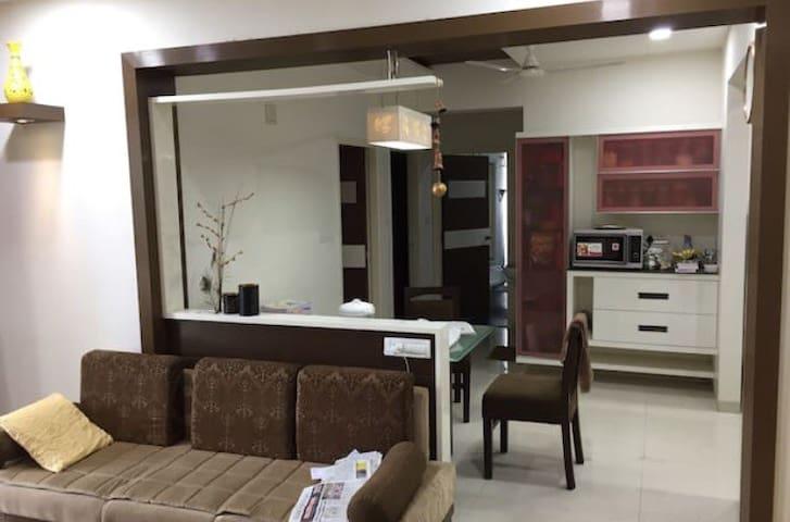 Luxury Apartment(non ac) NR INORBIT, OTHER MALLS