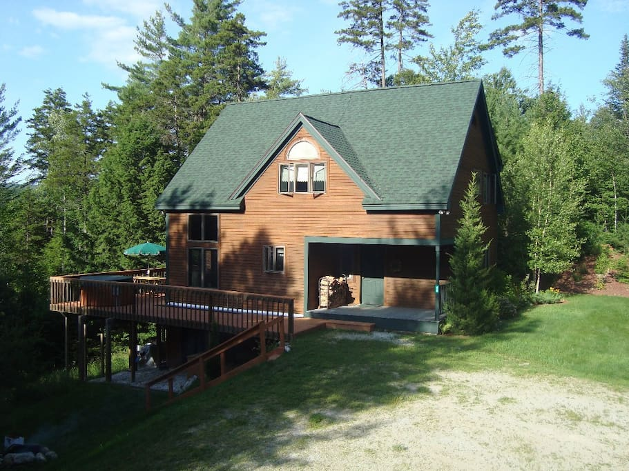 Summer Exterior of Home from Driveway