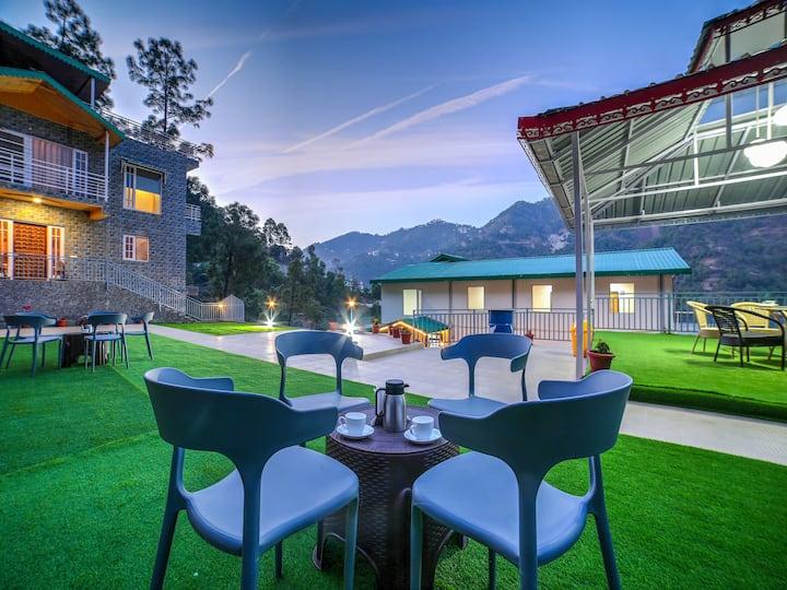 1 BR Premium room /Valley View/Pool@Solan