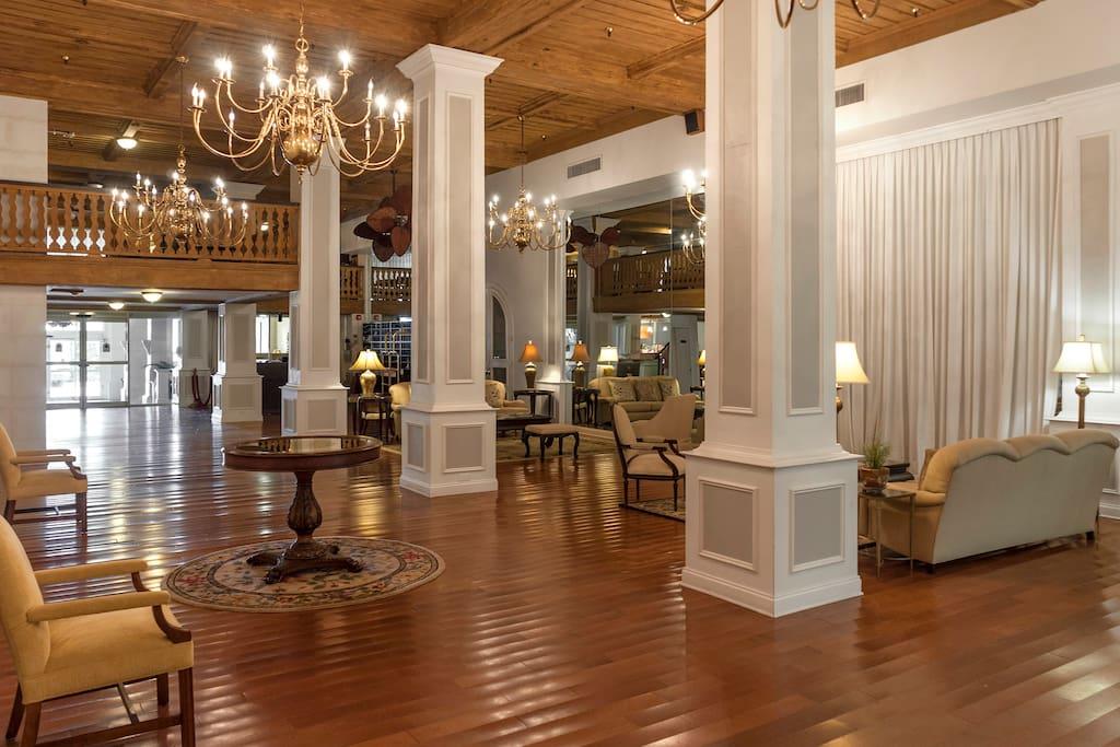 Beautiful Grande Lobby