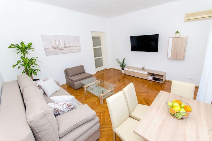 Modern apartment ''Pomalo''