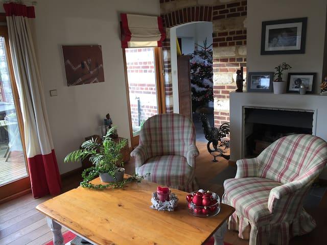 Chambre dans une belle maison de campagne - Péronne-en-Mélantois - Casa
