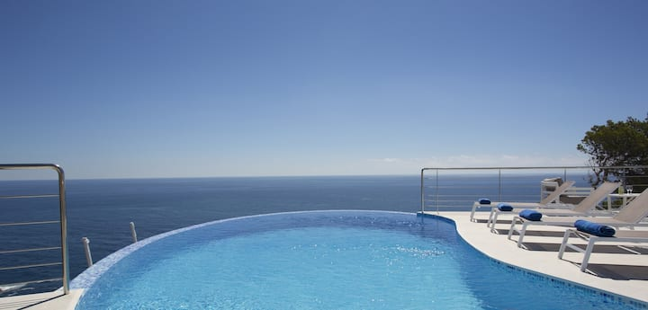 Luxury Villa front of the sea for 8 Persons Javea