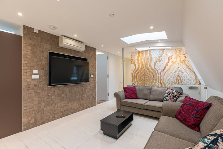 Luxury, Contemporary Penthouse in Marylebone