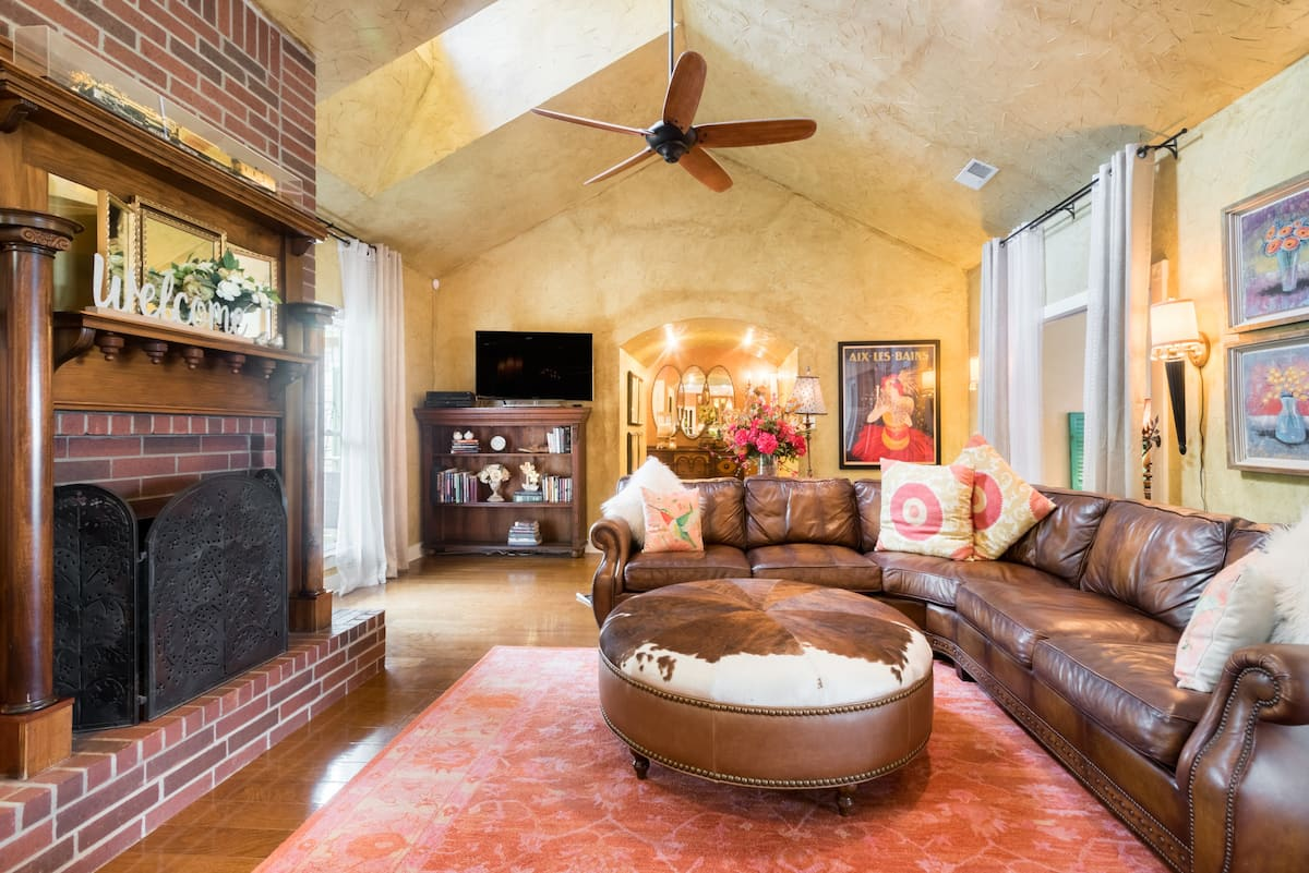 Relax in a Comfortable and Elegant Villa in Hill Country