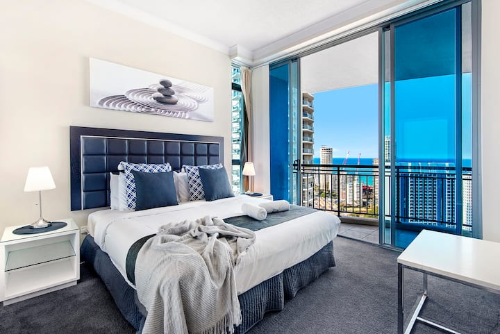 Chevron Renaissance 2 Bedroom — Q Stay