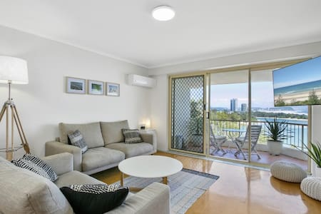 Scott's Currumbin Beach Pad - Currumbin