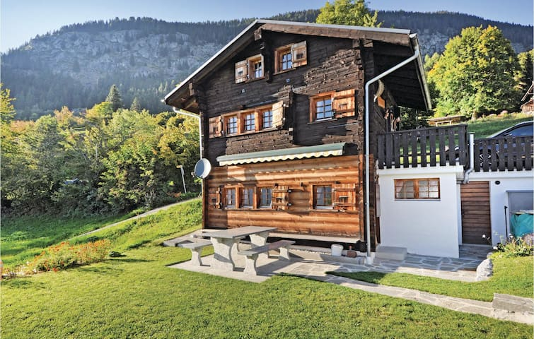 Holiday cottage with 3 bedrooms on 48m² in Bitsch