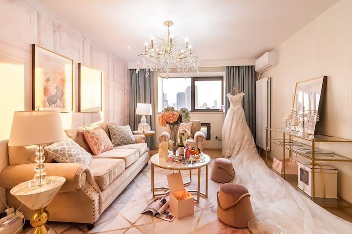 【海瑟薇的婚礼】复刻纽约丽兹卡尔顿婚礼套房,美式婚礼主题复式套房