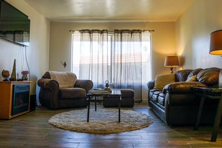 Big family-friendly space, 3 bedrooms by the beach - Port Hueneme - Wohnung