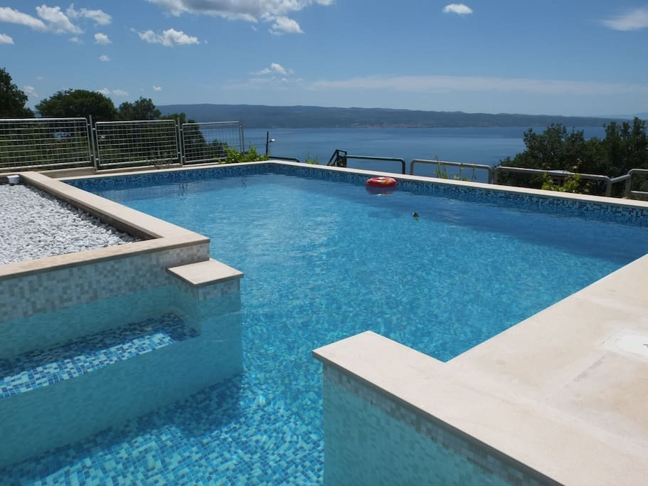 "Swimming pool sea view of Villa ""Sky"" Podstrana"