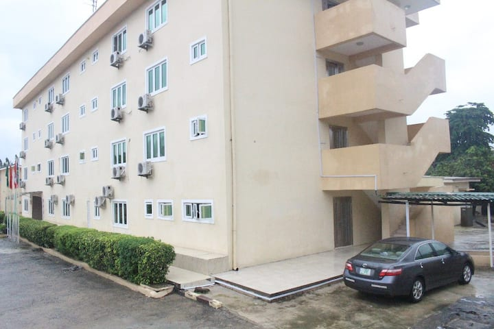 Command Guest House Apapa(Bronx Int'l Hotel)