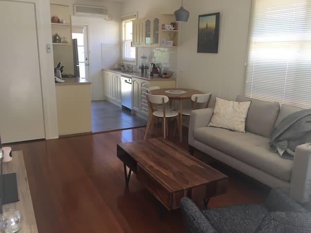 Cosy Peninsula Beach Unit - Mornington - Apartmen