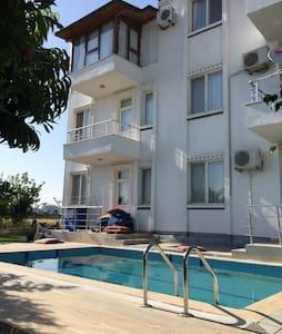Belek'te Günlük Müstakil Havuzlu Ev - Belek - Apartamento