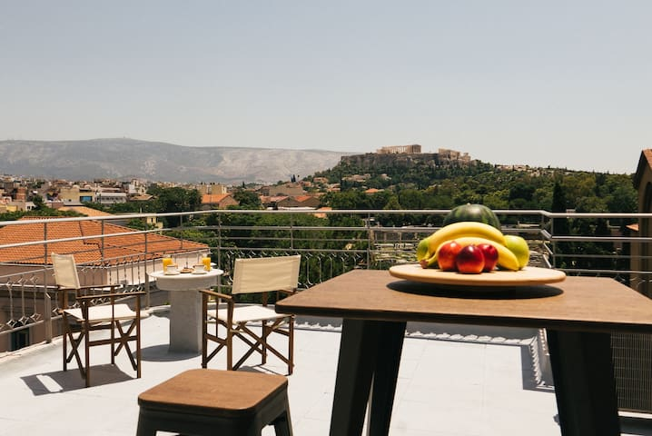 Athens Central loft - unique view of Acropolis !