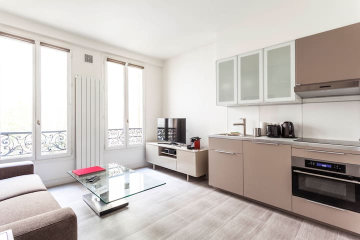 Brand new flat heart of Montorgueil