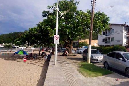 Triplex em frente à praia - Itajaí - Ev