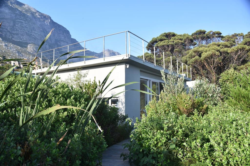 Nestled between the fynbos and the mountain