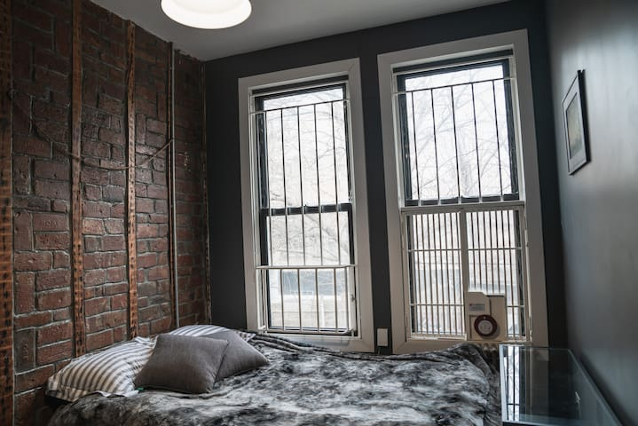 Cozy room for 2 in Bushwick.