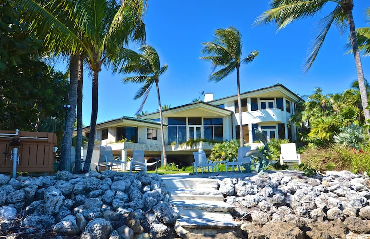 KEY WEST MANSION - PRIVATE BEACH! - Ки-Уэст - Дом