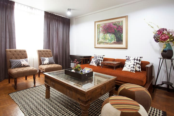 Champagne 3BR: Downtown Chiangmai Cozy & Private - Chiang Mai - Radhus