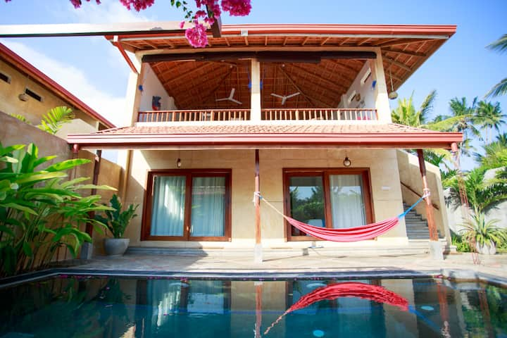 Ebb Villa: Six Surf Spots a Five Minute Walk