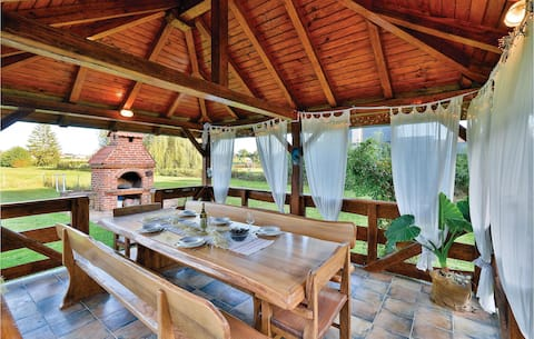 Beautiful home in Krizevci with Outdoor swimming pool and 4 Bedrooms