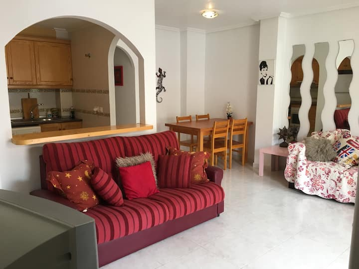 House of Hogarth! Access to pool ! Near Torrevieja