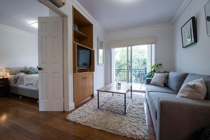 Modern apartment 5 mins from Perth's CBD