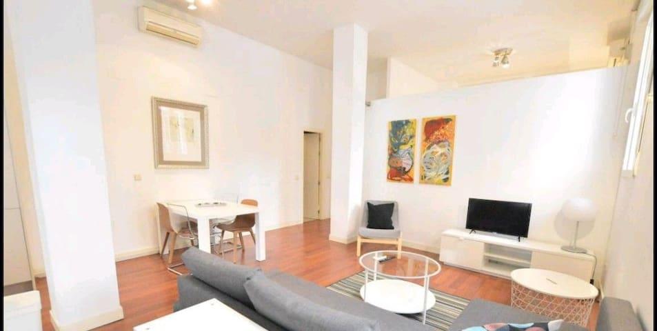 Fabulous Apartment close to Royal Palace, Madrid