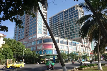 Seaside Luxury Apartment-Central Location - tp. Nha Trang - Lejlighed