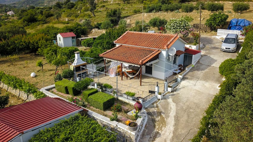Country house in Speri, Palaiokastron