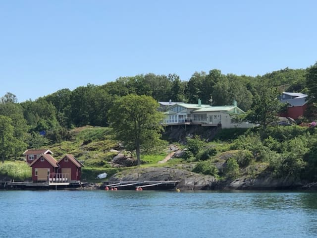Exclusive house with private boathouse