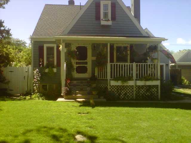 Nana's Cottage, charming, pet friendly home