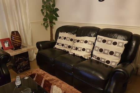 Double Room in Portobello for you