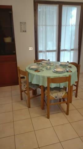 Appartamento in villa singola - Borgarello - Leilighet