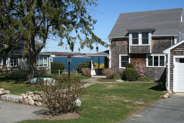Beach Front  - 'Perfect When Your Stay Is Longer' - Dartmouth - Casa