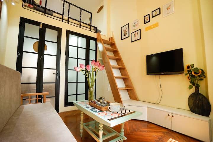 B-home   Balcony/ Fairy Mezzanine @Old Quarter