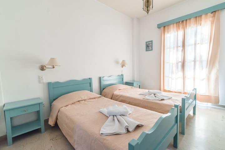 Kymata Hotel B - Cozy B&B Double room in Kamari