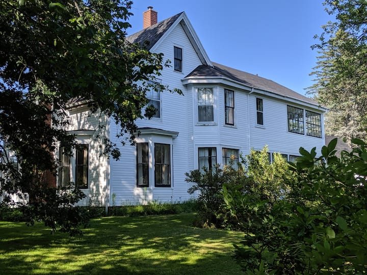 Greenslades - Historic 5 Bedroom House