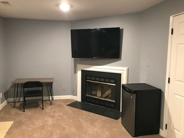 Cozy Basement Suite (Minutes from Dulles Airport)