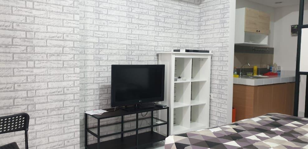 Apartemen tipe studio dengan lokasi strategis
