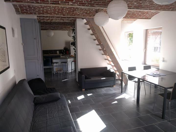 Maison, 25'de Lille, dans ferme au carré du Pévèle