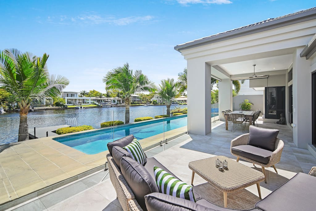 Huge Outdoor Entertaining with Undercover Terrace, 15m Lap Pool and Jetty