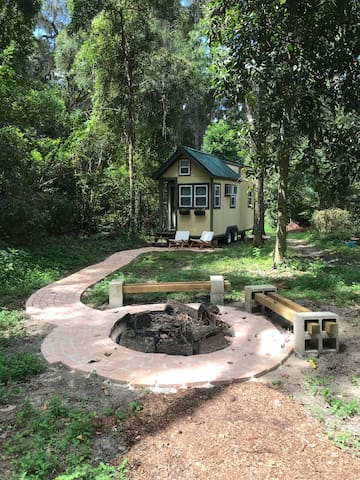 Tiny House Oasis In The Woods 4 Miles From UF