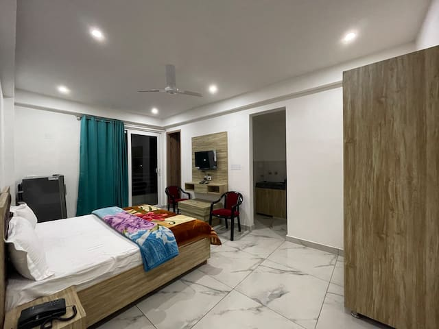 5 BHK entire floor with hall