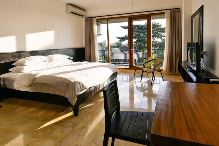 Spacious Studio Apartment Central Seminyak (No.6)