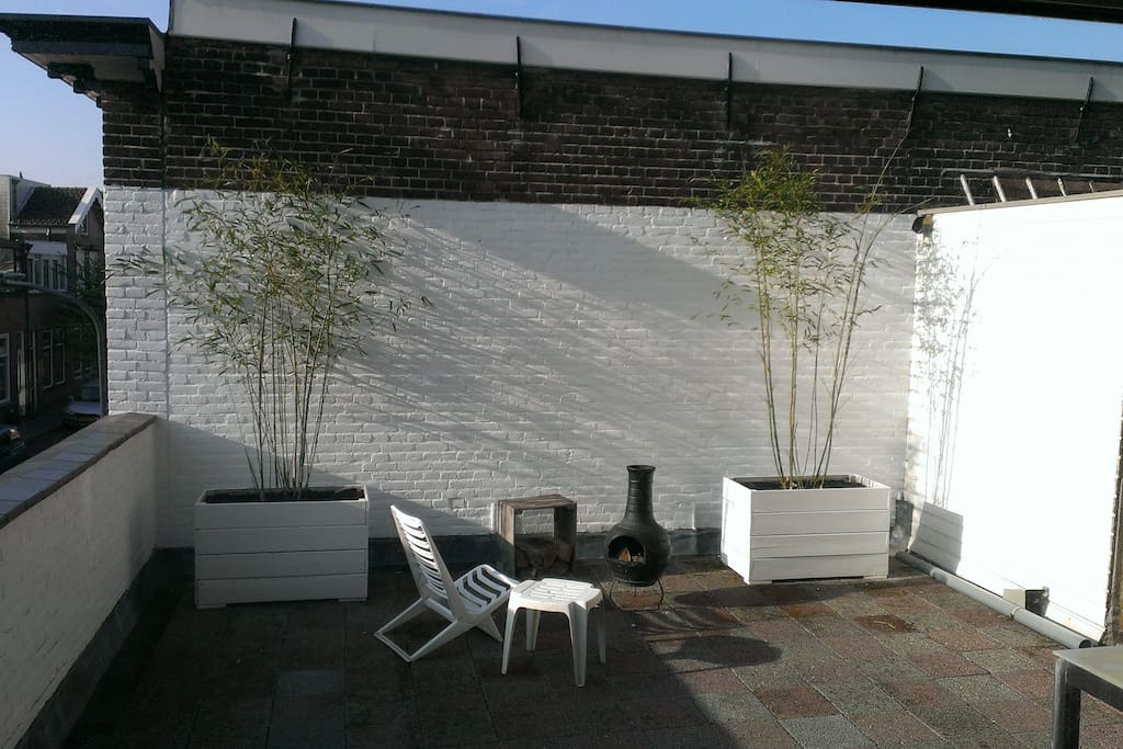 30 m² of private, sunny outdoor space on the rooftop terrace