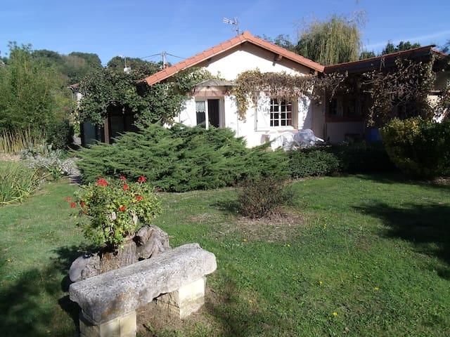 La Franluquière - Marignac-Lasclares - Rumah