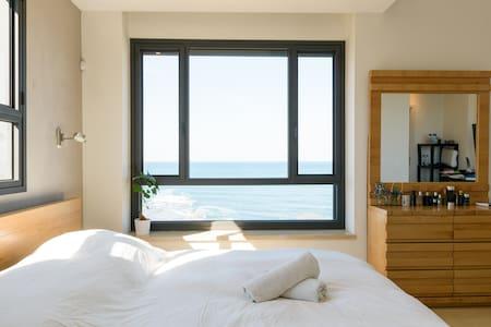 Beautiful Ocean Front Villa Jaffa - Tel Aviv-Yafo
